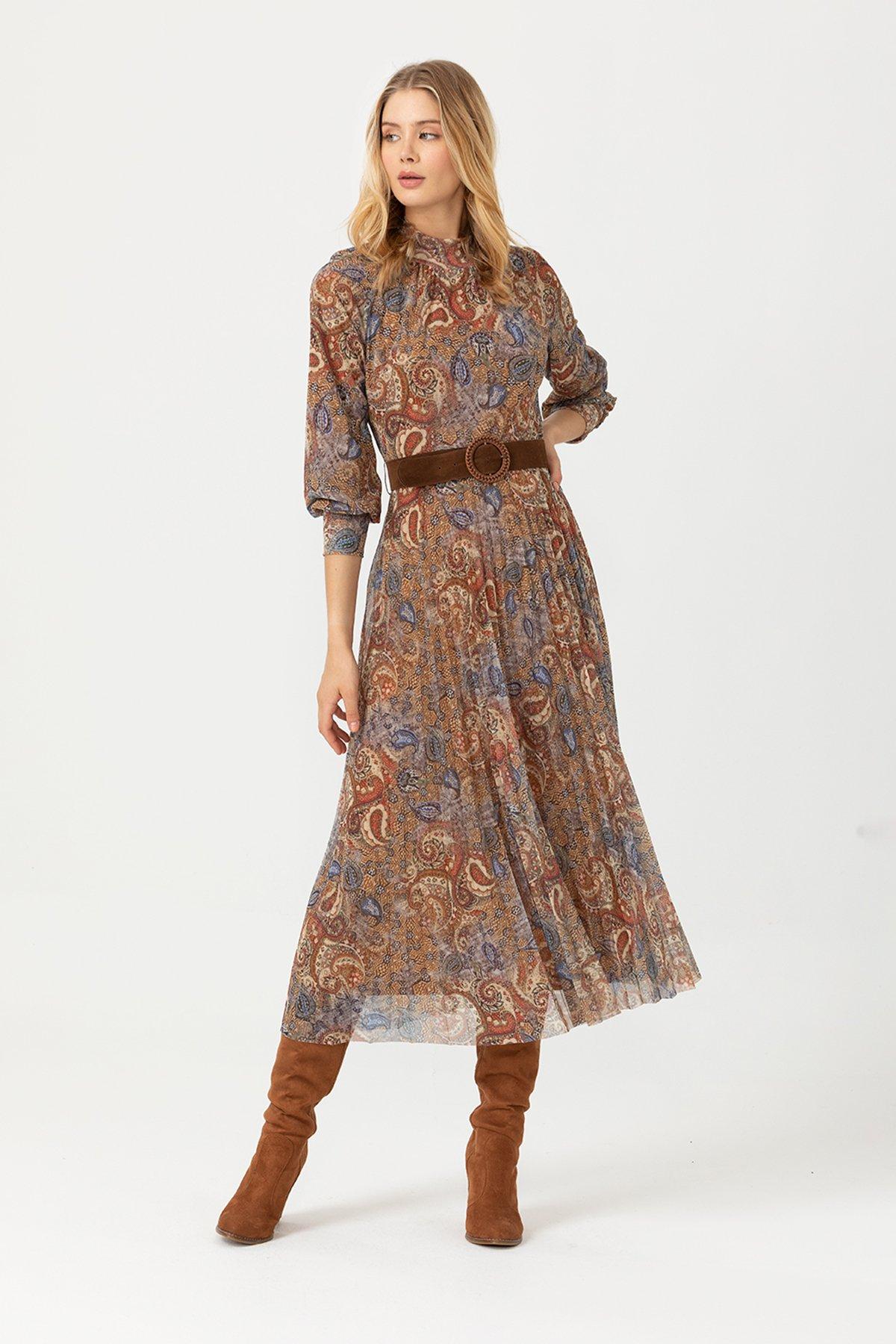 Eteği Pliseli Desenli Elbise